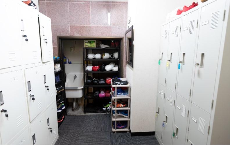 1階男性更衣室